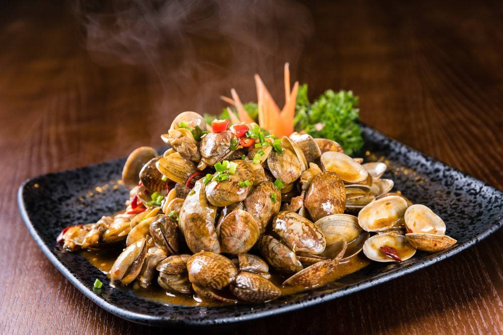 Chef Alfredo Cacho's Steamed Clams