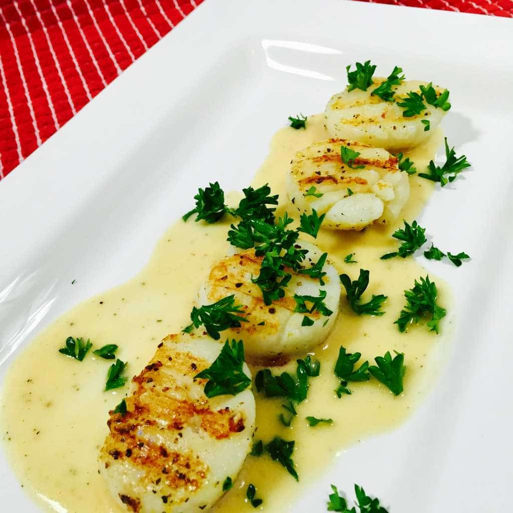 Scallops with lemon butter sauce